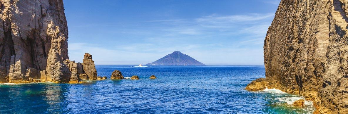 Gran Tour delle Isole Eolie in aereo